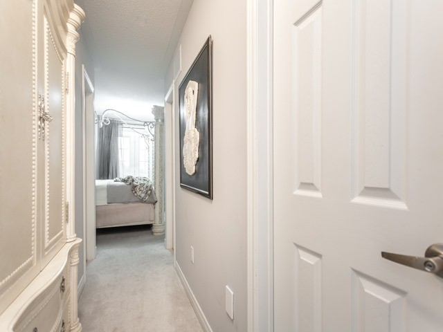 Townhouse at 19 Cooperage Lane, Ajax, Ontario. Image 2