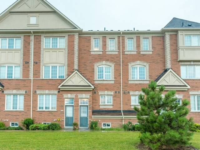 Townhouse at 19 Cooperage Lane, Ajax, Ontario. Image 13