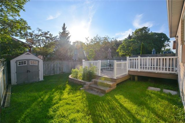Detached at 20 Berkshire Crt, Whitby, Ontario. Image 6