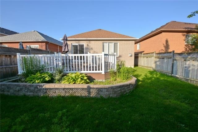 Detached at 20 Berkshire Crt, Whitby, Ontario. Image 7