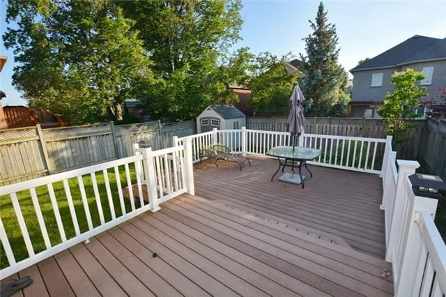 Detached at 20 Berkshire Crt, Whitby, Ontario. Image 8