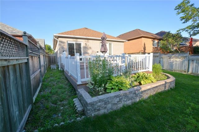 Detached at 20 Berkshire Crt, Whitby, Ontario. Image 11