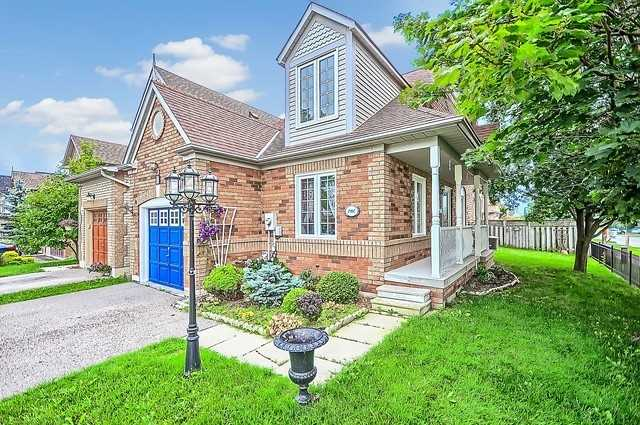 Detached at 1 Northland Ave, Whitby, Ontario. Image 1