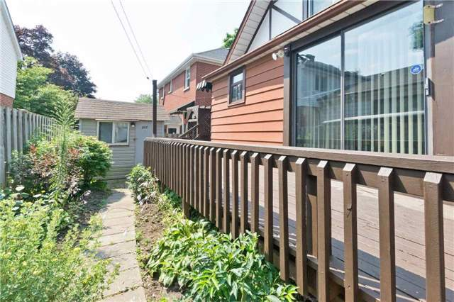 Detached at 597 Masson St, Oshawa, Ontario. Image 11