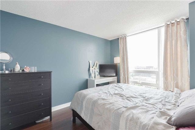 Condo Apartment at 185 Bonis Ave, Unit 1911, Toronto, Ontario. Image 6