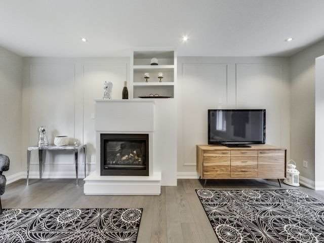 Detached at 428 Brownfield Gdns, Toronto, Ontario. Image 17