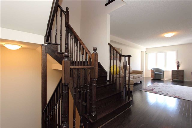 Townhouse at 123 Magpie Way, Whitby, Ontario. Image 20