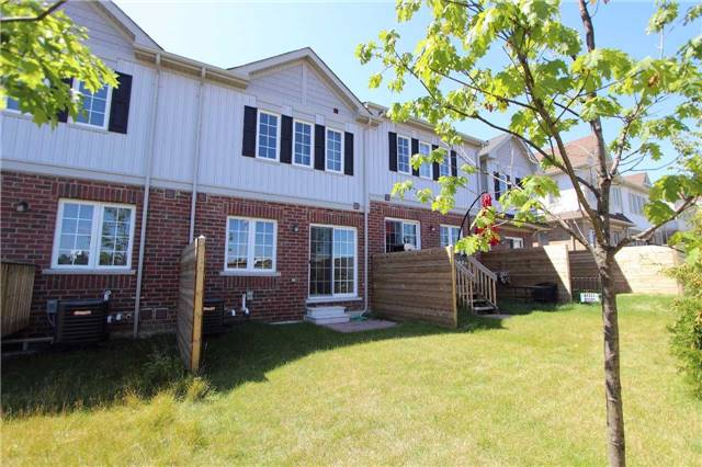Townhouse at 123 Magpie Way, Whitby, Ontario. Image 11