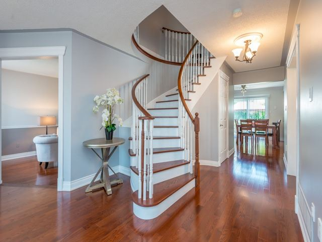 Detached at 2293 Beare Crt, Pickering, Ontario. Image 12
