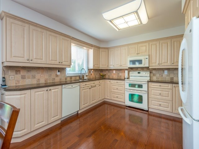 Detached at 2293 Beare Crt, Pickering, Ontario. Image 16