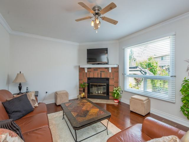 Detached at 2293 Beare Crt, Pickering, Ontario. Image 18