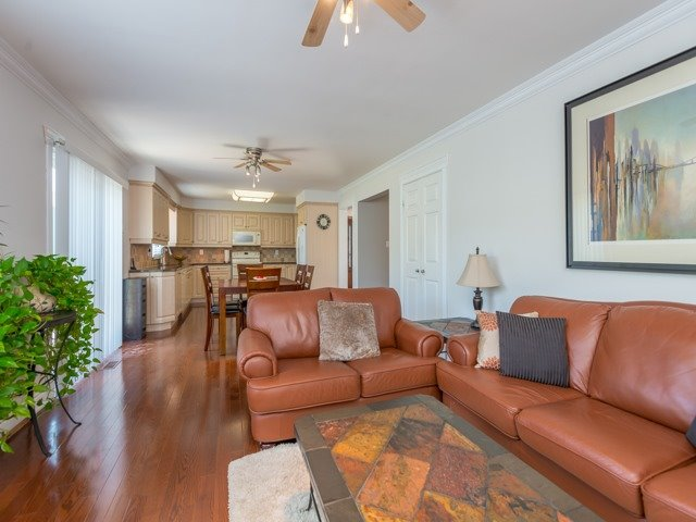 Detached at 2293 Beare Crt, Pickering, Ontario. Image 19