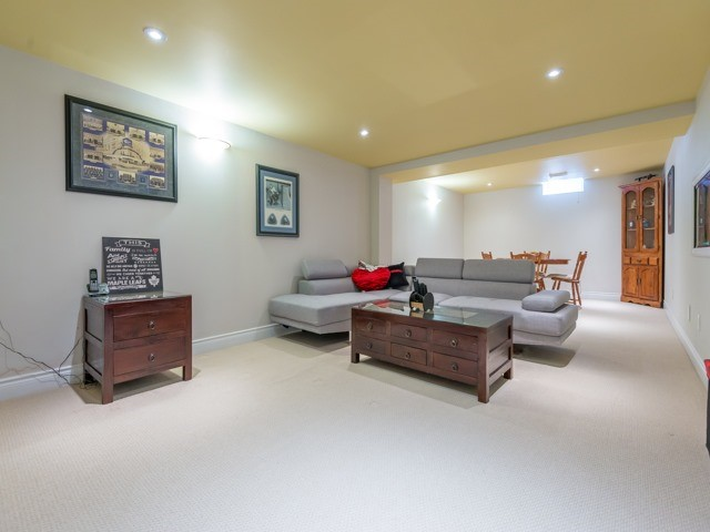 Detached at 2293 Beare Crt, Pickering, Ontario. Image 10