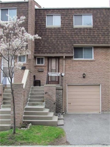 Condo Townhouse at 2 Stonehill Crt, Unit 21, Toronto, Ontario. Image 1