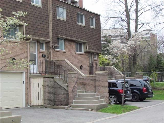 Condo Townhouse at 2 Stonehill Crt, Unit 21, Toronto, Ontario. Image 11