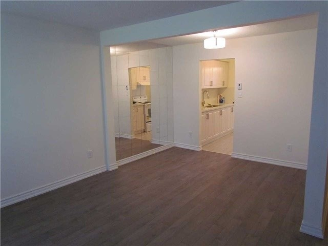 Condo Townhouse at 2 Stonehill Crt, Unit 21, Toronto, Ontario. Image 17