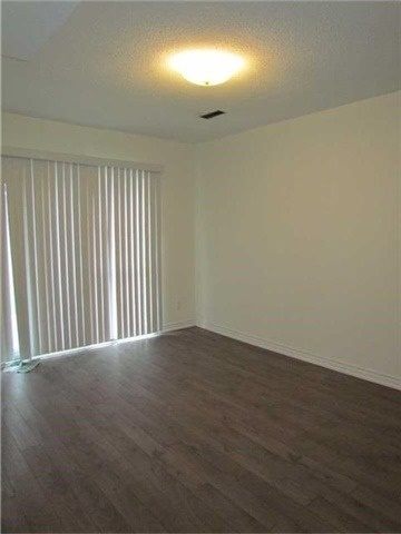 Condo Townhouse at 2 Stonehill Crt, Unit 21, Toronto, Ontario. Image 3