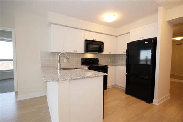 Condo Apartment at 135 Village Green Sq, Unit 2024, Toronto, Ontario. Image 4