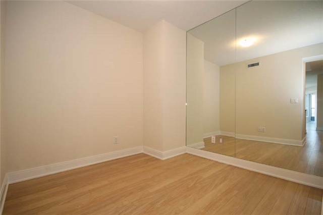 Condo Apartment at 135 Village Green Sq, Unit 2024, Toronto, Ontario. Image 6