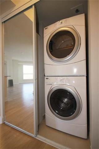 Condo Apartment at 135 Village Green Sq, Unit 2024, Toronto, Ontario. Image 8