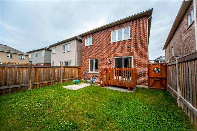 Detached at 53 Oswell Dr, Ajax, Ontario. Image 10