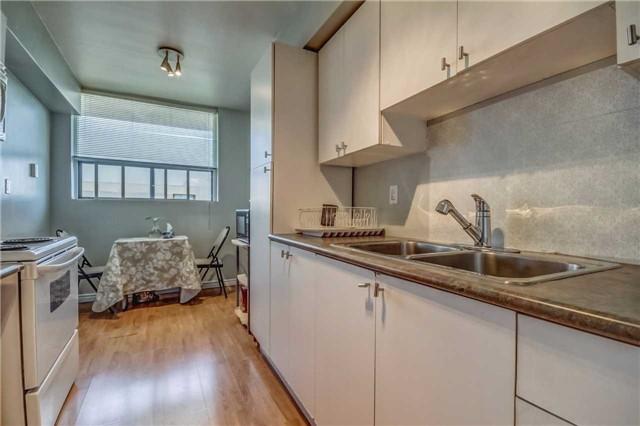 Condo Apartment at 20 Gilder Dr, Unit Ph07, Toronto, Ontario. Image 2