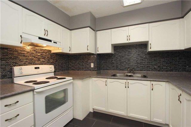 Condo Apartment at 454 Centre St S, Unit 109, Oshawa, Ontario. Image 11