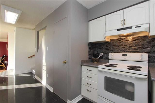 Condo Apartment at 454 Centre St S, Unit 109, Oshawa, Ontario. Image 12