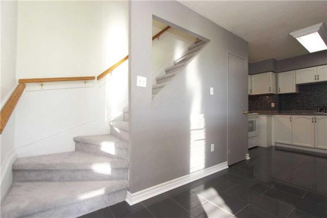 Condo Apartment at 454 Centre St S, Unit 109, Oshawa, Ontario. Image 2