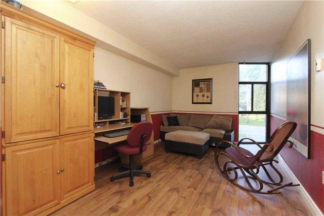 Condo Apartment at 454 Centre St S, Unit 109, Oshawa, Ontario. Image 4