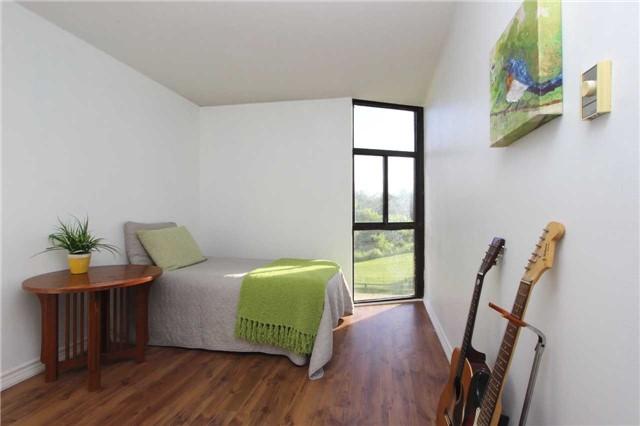 Condo Apartment at 454 Centre St S, Unit 109, Oshawa, Ontario. Image 6