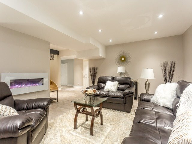 Detached at 5250 Sideline 4 Rd, Pickering, Ontario. Image 15