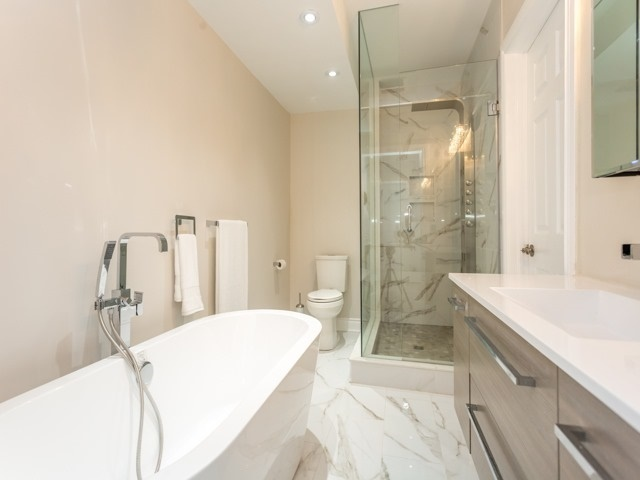 Detached at 5250 Sideline 4 Rd, Pickering, Ontario. Image 3