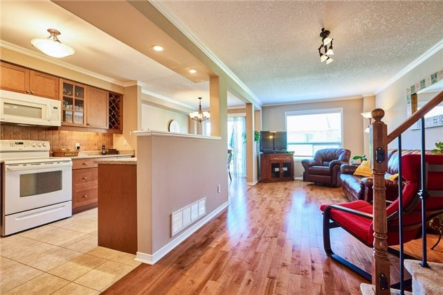 Condo Townhouse at 1109 Ormond Dr, Unit 82, Oshawa, Ontario. Image 12