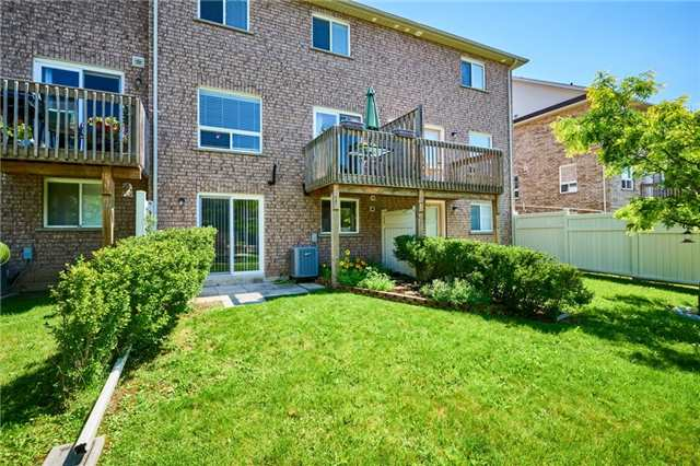 Condo Townhouse at 1109 Ormond Dr, Unit 82, Oshawa, Ontario. Image 11