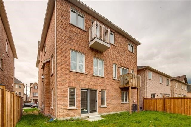 Detached at 1595 Brandy Crt N, Pickering, Ontario. Image 9