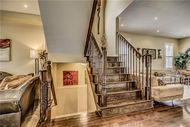 Detached at 1570 Edgecroft Dr, Pickering, Ontario. Image 14