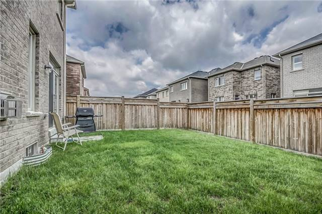 Detached at 1570 Edgecroft Dr, Pickering, Ontario. Image 8
