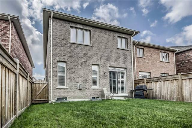 Detached at 1570 Edgecroft Dr, Pickering, Ontario. Image 9