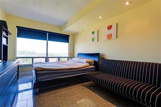 Condo Apartment at 5800 Sheppard Ave E, Unit 405, Toronto, Ontario. Image 3