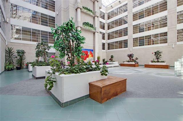 Condo Apartment at 5800 Sheppard Ave E, Unit 405, Toronto, Ontario. Image 9