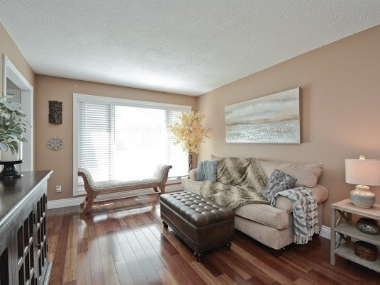 Semi-detached at 1905 Rosefield Rd, Pickering, Ontario. Image 17