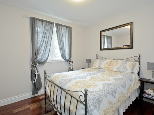 Semi-detached at 1905 Rosefield Rd, Pickering, Ontario. Image 3