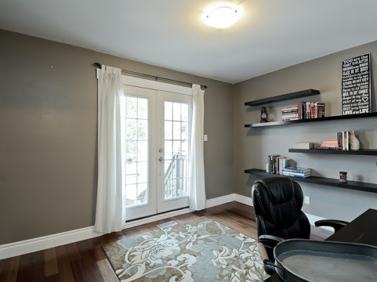 Semi-detached at 1905 Rosefield Rd, Pickering, Ontario. Image 4