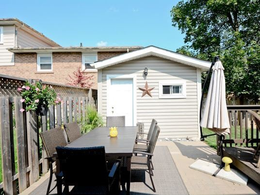 Semi-detached at 1905 Rosefield Rd, Pickering, Ontario. Image 13