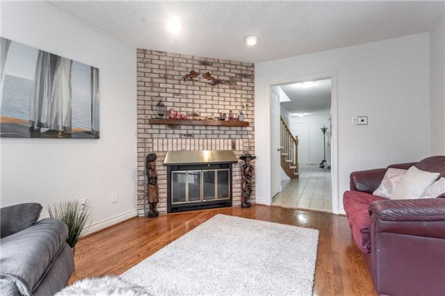 Detached at 4 Barrowcliff Dr, Toronto, Ontario. Image 19