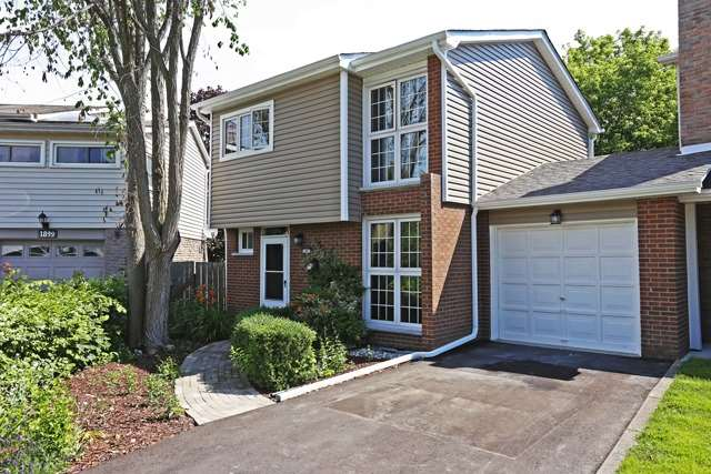 Townhouse at 1897 Bicroft Crt, Pickering, Ontario. Image 1