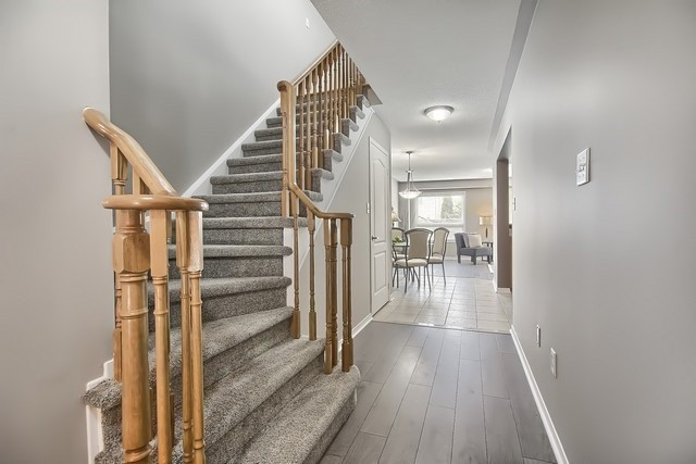 Townhouse at 43 Shasta Cres, Whitby, Ontario. Image 16