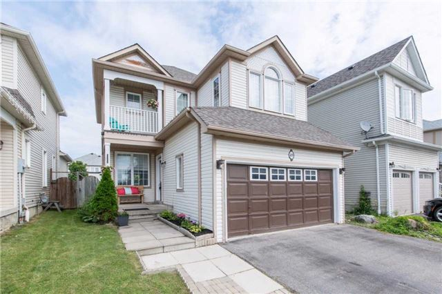 Detached at 49 Sandford Cres, Whitby, Ontario. Image 12