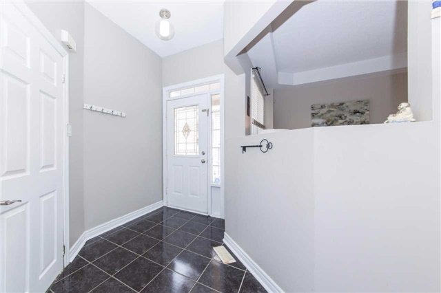 Detached at 49 Sandford Cres, Whitby, Ontario. Image 13